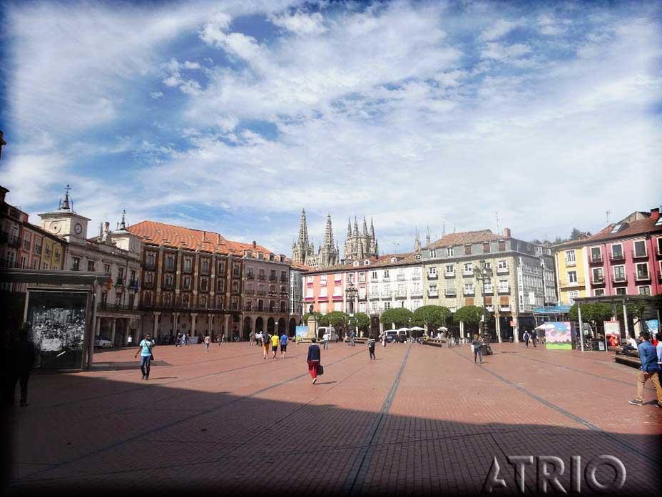 -eu-west-1.amazonaws.com/mobilia/Portals/inmoatrio/Images/4274/2225779