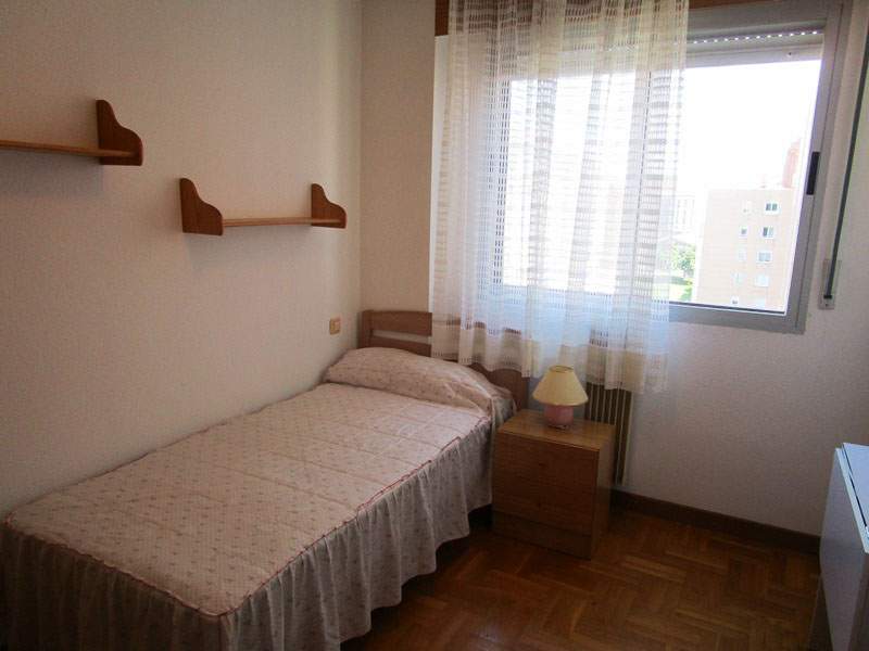 -eu-west-1.amazonaws.com/mobilia/Portals/inmoatrio/Images/4345/2227312