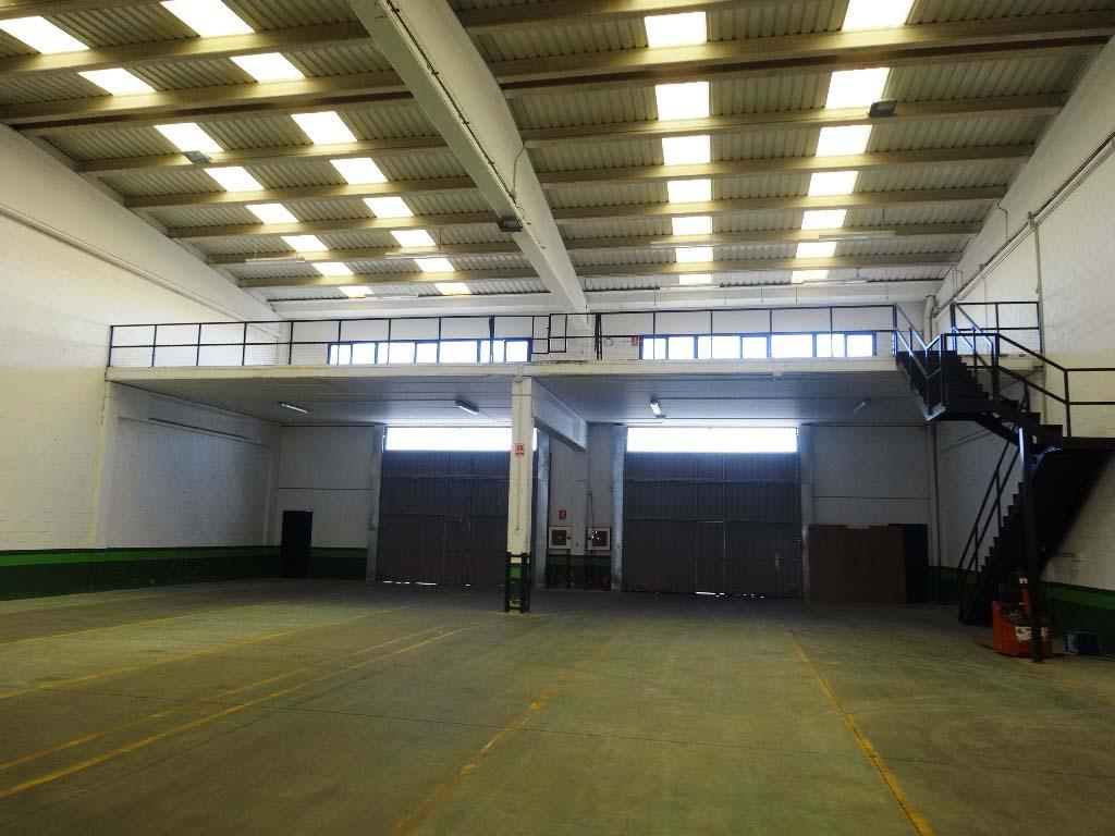 -eu-west-1.amazonaws.com/mobilia/Portals/inmoatrio/Images/4404/2228576