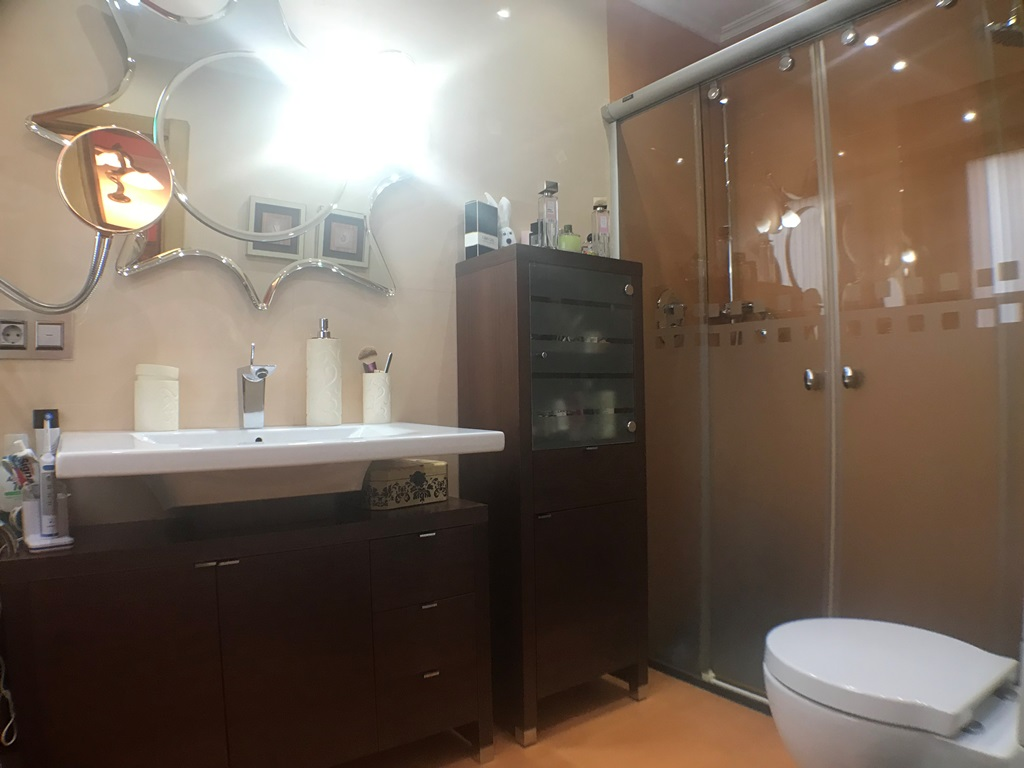 -eu-west-1.amazonaws.com/mobilia/Portals/inmoatrio/Images/4474/2230335
