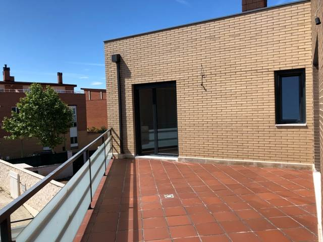 -eu-west-1.amazonaws.com/mobilia/Portals/inmoatrio/Images/4481/2230529