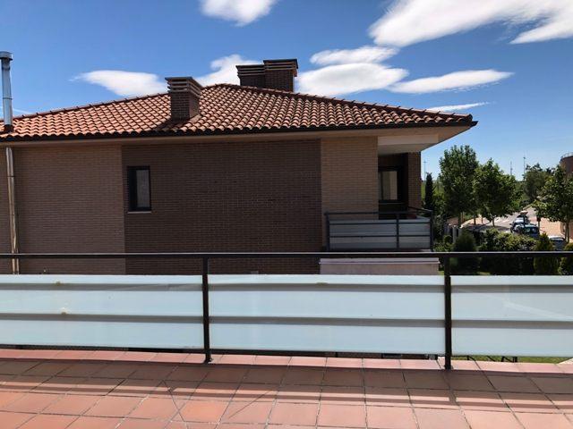 -eu-west-1.amazonaws.com/mobilia/Portals/inmoatrio/Images/4481/2230530