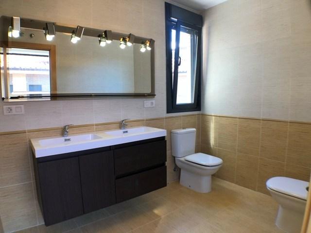 -eu-west-1.amazonaws.com/mobilia/Portals/inmoatrio/Images/4481/2230534