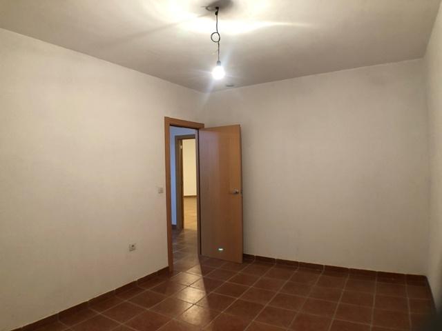 -eu-west-1.amazonaws.com/mobilia/Portals/inmoatrio/Images/4481/2230537
