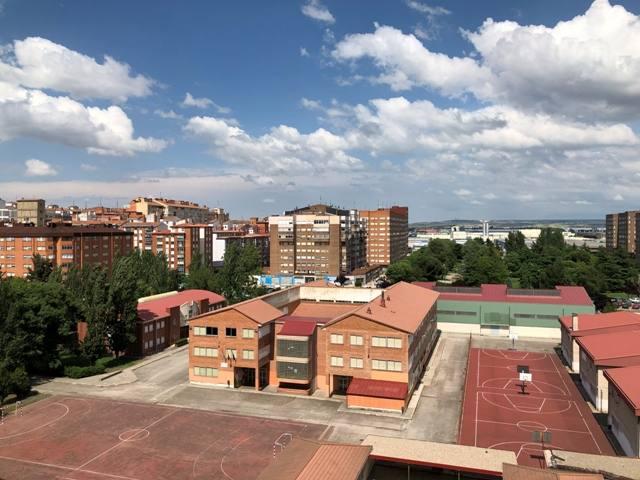 -eu-west-1.amazonaws.com/mobilia/Portals/inmoatrio/Images/4500/2231045