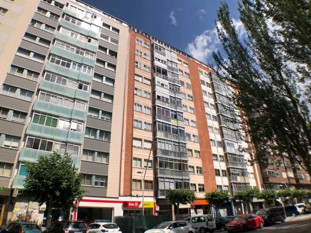 -eu-west-1.amazonaws.com/mobilia/Portals/inmoatrio/Images/4500/2231053