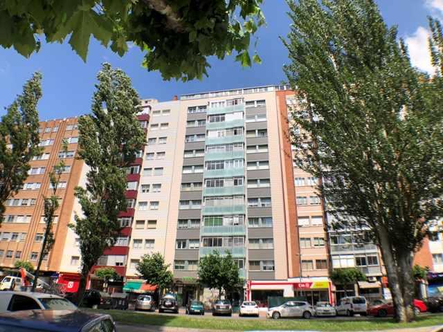 -eu-west-1.amazonaws.com/mobilia/Portals/inmoatrio/Images/4500/2231057