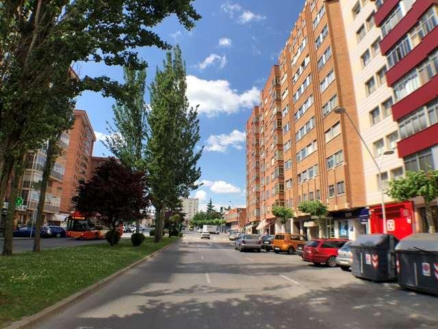-eu-west-1.amazonaws.com/mobilia/Portals/inmoatrio/Images/4500/2231058