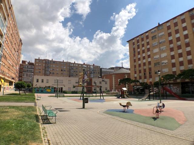 -eu-west-1.amazonaws.com/mobilia/Portals/inmoatrio/Images/4500/2231059