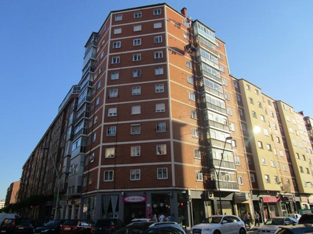 -eu-west-1.amazonaws.com/mobilia/Portals/inmoatrio/Images/4511/2231320