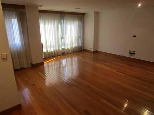 -eu-west-1.amazonaws.com/mobilia/Portals/inmoatrio/Images/4515/2231432