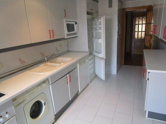 -eu-west-1.amazonaws.com/mobilia/Portals/inmoatrio/Images/4515/2231447