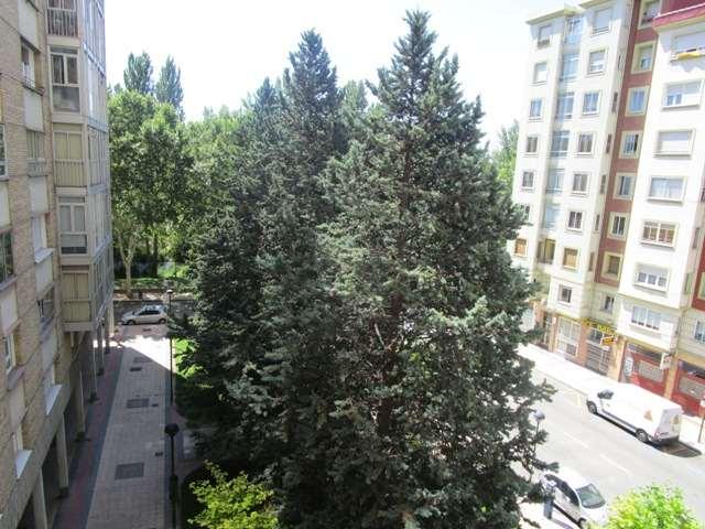 -eu-west-1.amazonaws.com/mobilia/Portals/inmoatrio/Images/4527/2231726