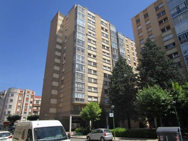 -eu-west-1.amazonaws.com/mobilia/Portals/inmoatrio/Images/4527/2231729