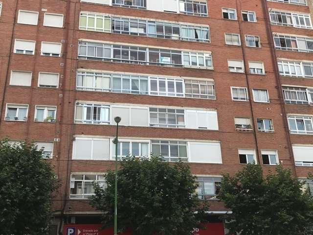 -eu-west-1.amazonaws.com/mobilia/Portals/inmoatrio/Images/4533/2231870
