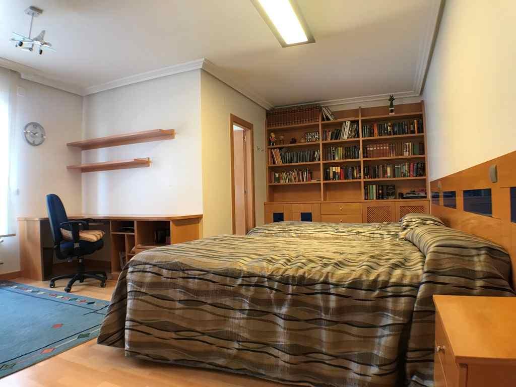-eu-west-1.amazonaws.com/mobilia/Portals/inmoatrio/Images/4546/2232281