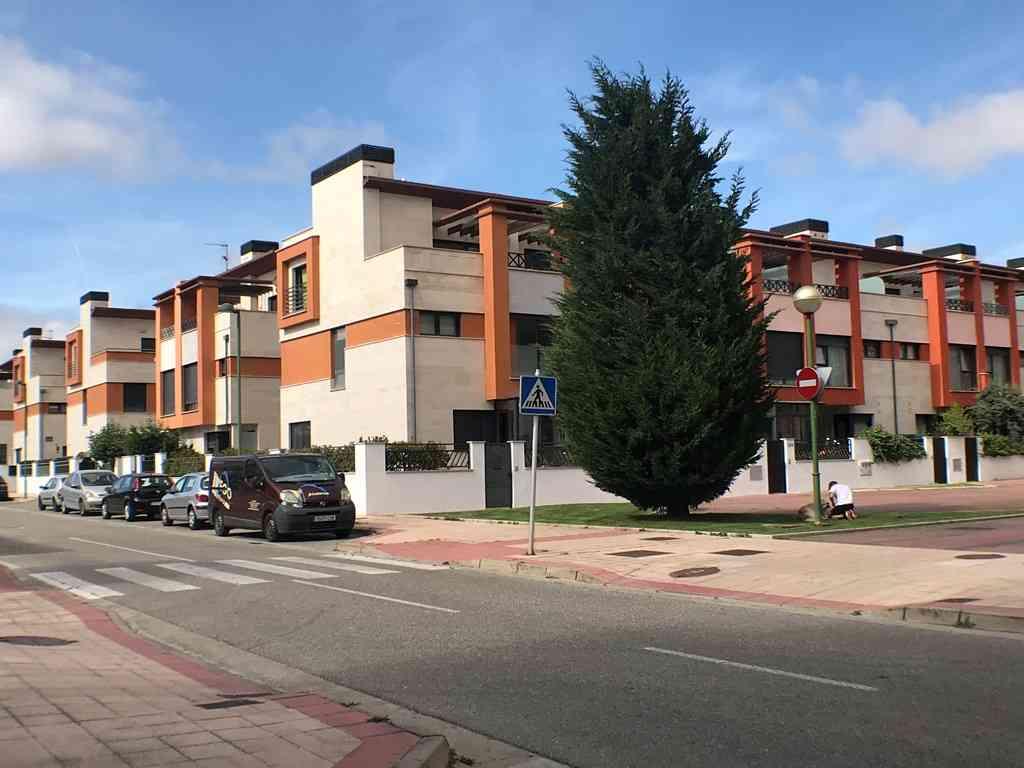 -eu-west-1.amazonaws.com/mobilia/Portals/inmoatrio/Images/4546/2232297
