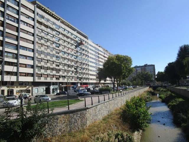 -eu-west-1.amazonaws.com/mobilia/Portals/inmoatrio/Images/4579/2233461