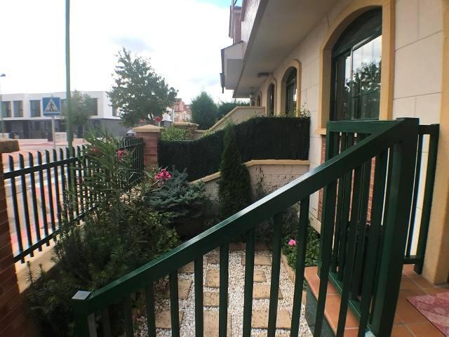 -eu-west-1.amazonaws.com/mobilia/Portals/inmoatrio/Images/4590/2233684
