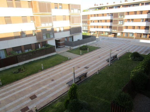 -eu-west-1.amazonaws.com/mobilia/Portals/inmoatrio/Images/4602/2234030