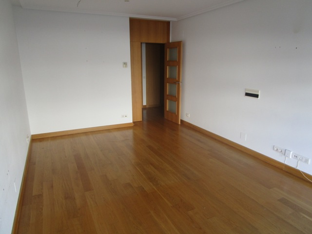 -eu-west-1.amazonaws.com/mobilia/Portals/inmoatrio/Images/4602/2234033