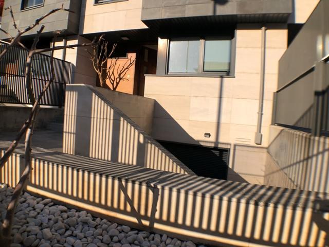 -eu-west-1.amazonaws.com/mobilia/Portals/inmoatrio/Images/4607/2234152
