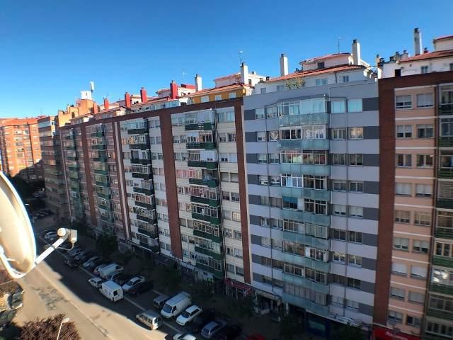 -eu-west-1.amazonaws.com/mobilia/Portals/inmoatrio/Images/4613/2234421