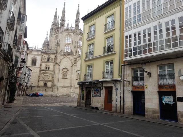 -eu-west-1.amazonaws.com/mobilia/Portals/inmoatrio/Images/4927/2240220