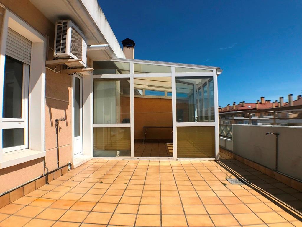-eu-west-1.amazonaws.com/mobilia/Portals/inmoatrio/Images/5028/2978074