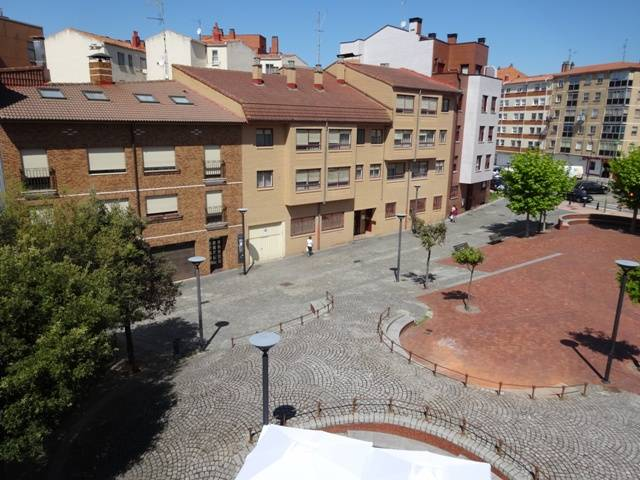 -eu-west-1.amazonaws.com/mobilia/Portals/inmoatrio/Images/5099/2243861