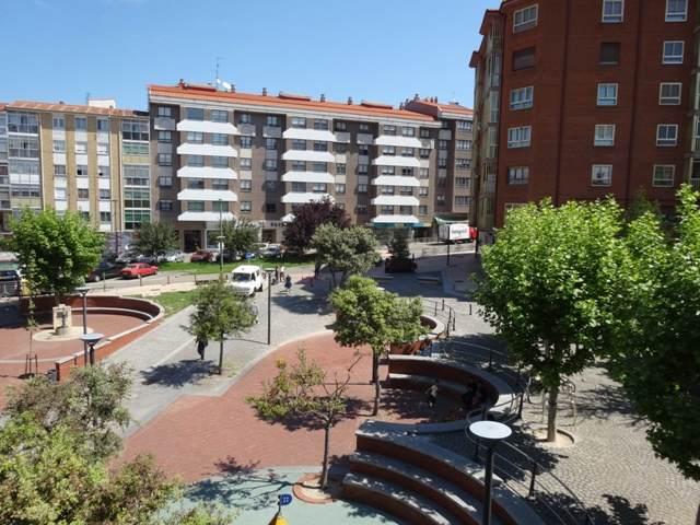 -eu-west-1.amazonaws.com/mobilia/Portals/inmoatrio/Images/5099/2243864