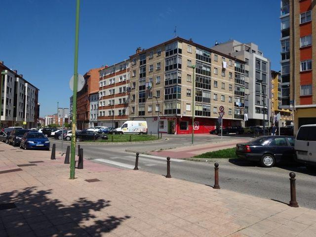 -eu-west-1.amazonaws.com/mobilia/Portals/inmoatrio/Images/5099/2243867