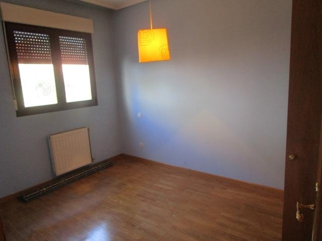 -eu-west-1.amazonaws.com/mobilia/Portals/inmoatrio/Images/5161/2245210