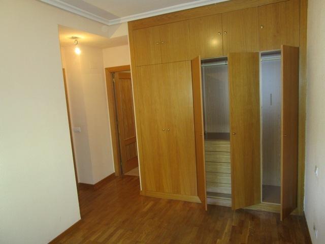 -eu-west-1.amazonaws.com/mobilia/Portals/inmoatrio/Images/5161/2245217