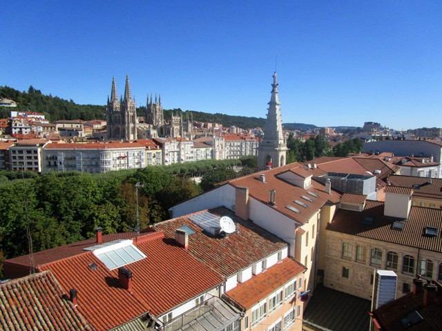 -eu-west-1.amazonaws.com/mobilia/Portals/inmoatrio/Images/5189/2245794