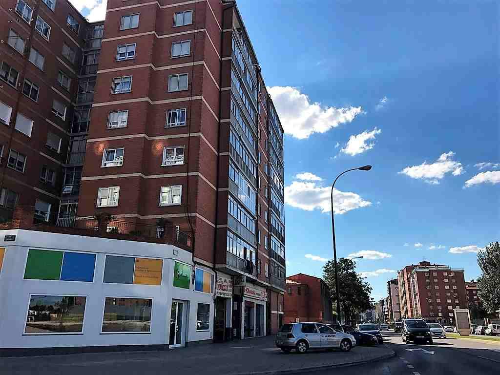 -eu-west-1.amazonaws.com/mobilia/Portals/inmoatrio/Images/5200/2246051