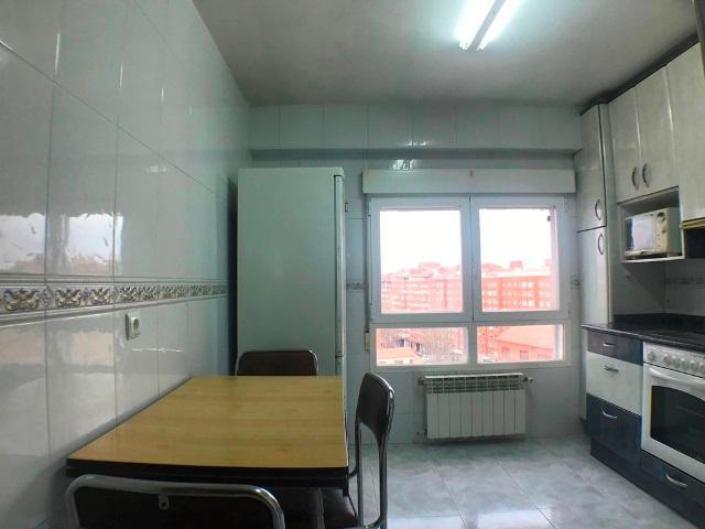 -eu-west-1.amazonaws.com/mobilia/Portals/inmoatrio/Images/5283/2328211