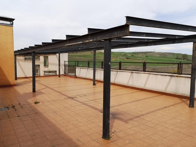 -eu-west-1.amazonaws.com/mobilia/Portals/inmoatrio/Images/5289/2842501