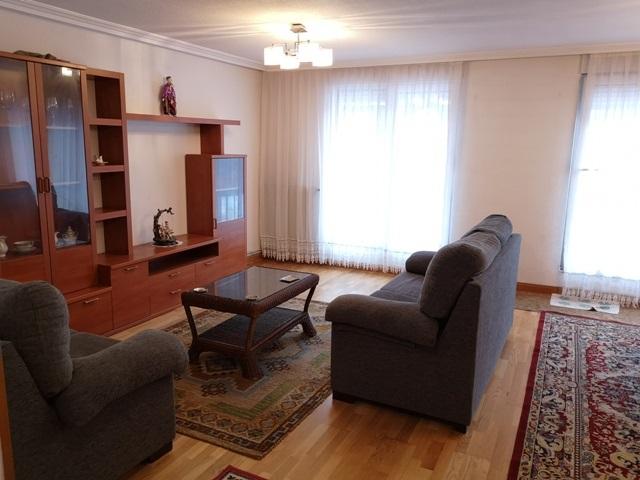 -eu-west-1.amazonaws.com/mobilia/Portals/inmoatrio/Images/5300/2337033