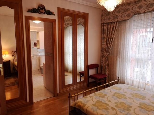 -eu-west-1.amazonaws.com/mobilia/Portals/inmoatrio/Images/5300/2337050