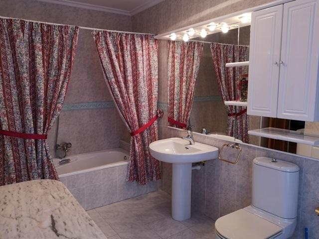 -eu-west-1.amazonaws.com/mobilia/Portals/inmoatrio/Images/5300/2337052