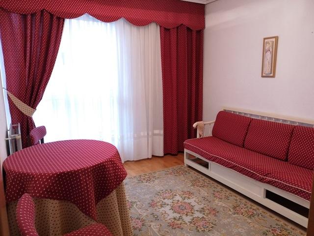 -eu-west-1.amazonaws.com/mobilia/Portals/inmoatrio/Images/5300/2337056