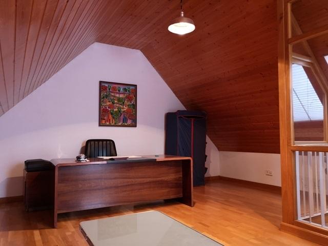 -eu-west-1.amazonaws.com/mobilia/Portals/inmoatrio/Images/5300/2337060