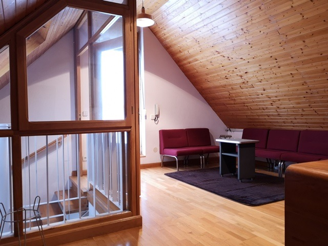 -eu-west-1.amazonaws.com/mobilia/Portals/inmoatrio/Images/5300/2337061