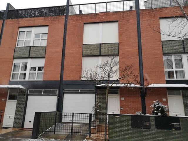 -eu-west-1.amazonaws.com/mobilia/Portals/inmoatrio/Images/5300/2337077