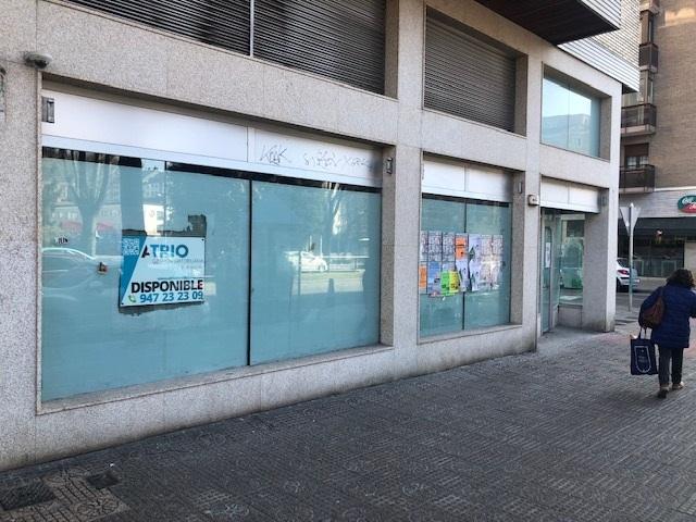-eu-west-1.amazonaws.com/mobilia/Portals/inmoatrio/Images/5333/2393040