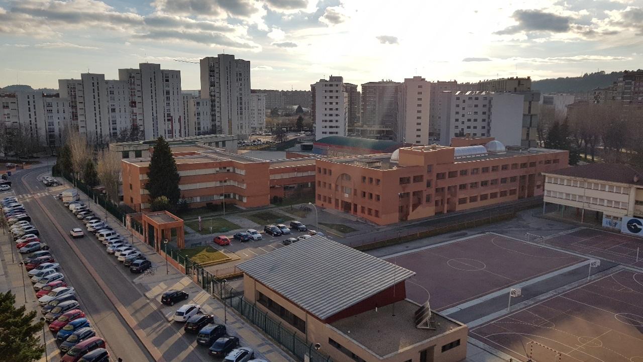 -eu-west-1.amazonaws.com/mobilia/Portals/inmoatrio/Images/5334/2393658