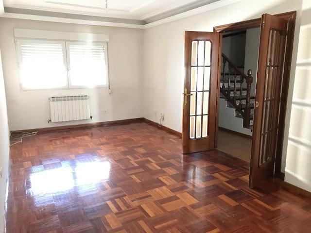 -eu-west-1.amazonaws.com/mobilia/Portals/inmoatrio/Images/5340/2408922