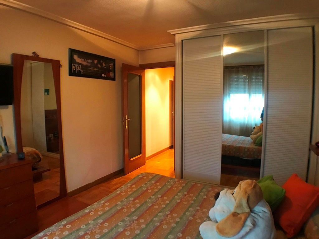 -eu-west-1.amazonaws.com/mobilia/Portals/inmoatrio/Images/5368/2464391