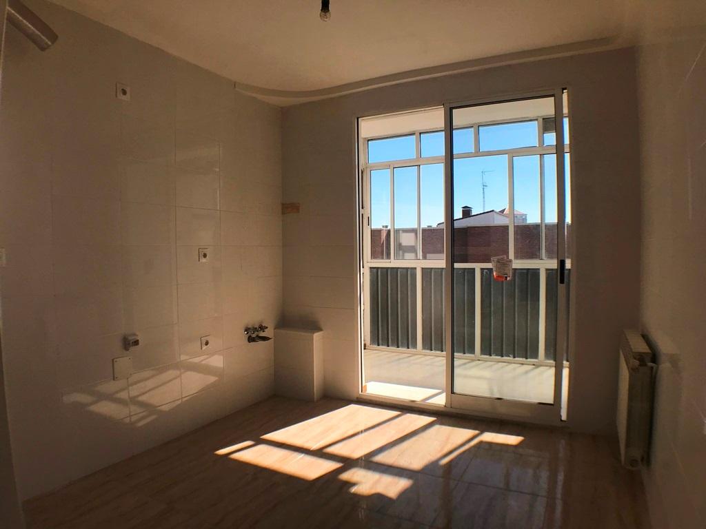 -eu-west-1.amazonaws.com/mobilia/Portals/inmoatrio/Images/5385/2484253
